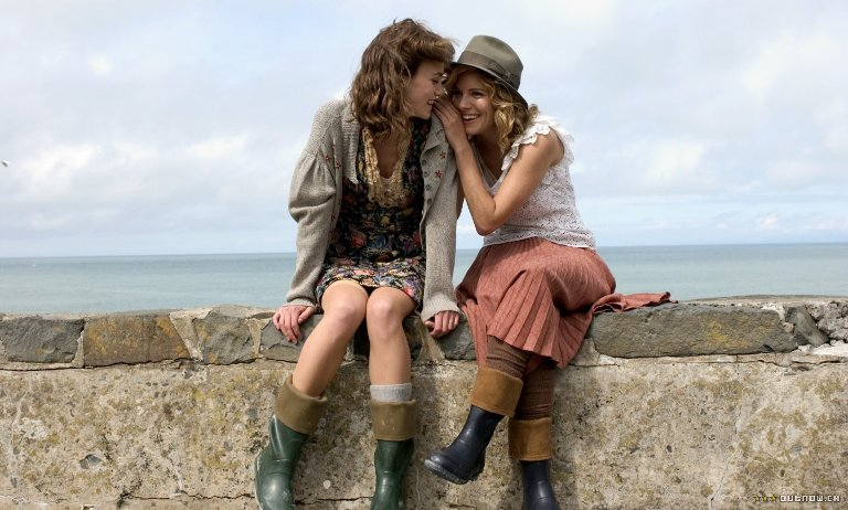 the edge of love-keira knightley-sienna miller-cillian murphy