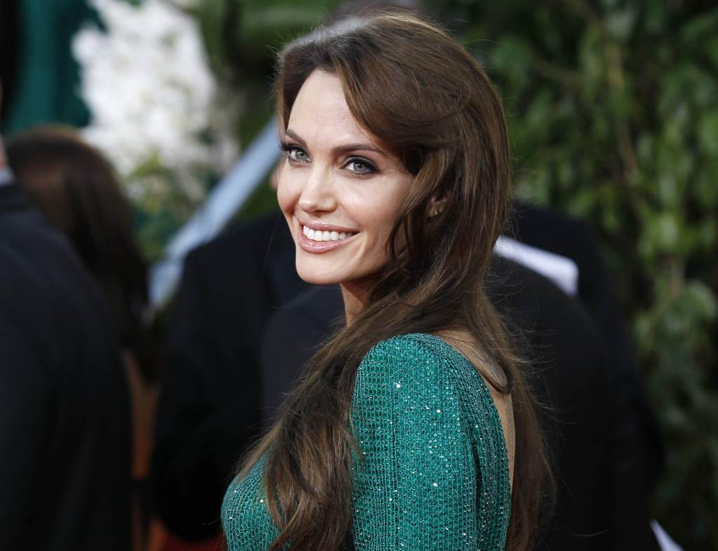 Angelina Jolie To Lead Luc Besson-Directed Sci-Fi Thriller -8933