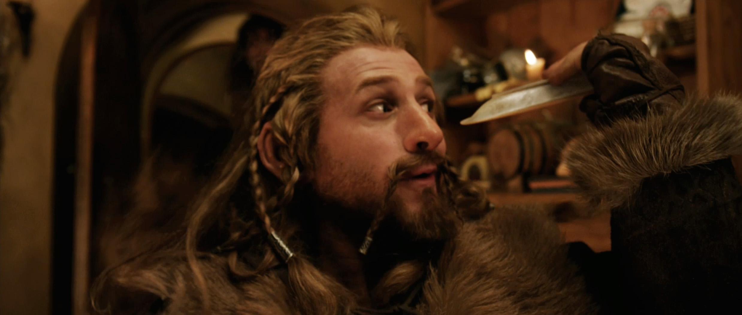 Lo Hobbit Un viaggio inaspettato così come i suoi seguiti ebbe una gestazione travagliata tanto che nel corso degli anni dovette superare molti ostacoli e cause
