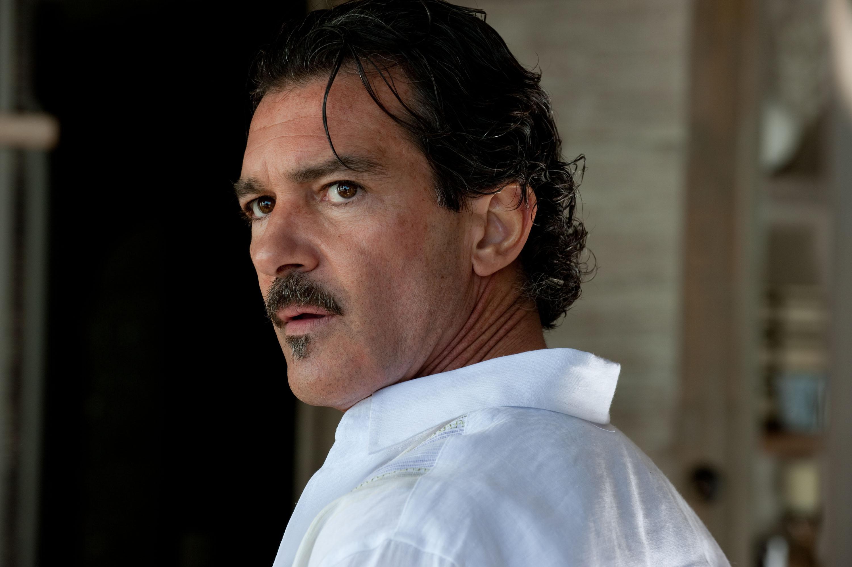 Antonio Banderas Picks Up the Paintbrush for Picasso Biopic    33 Days    Antonio Banderas