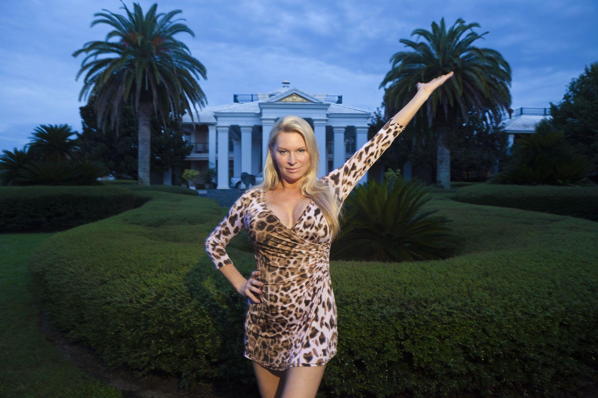 Celebrity house wife swap