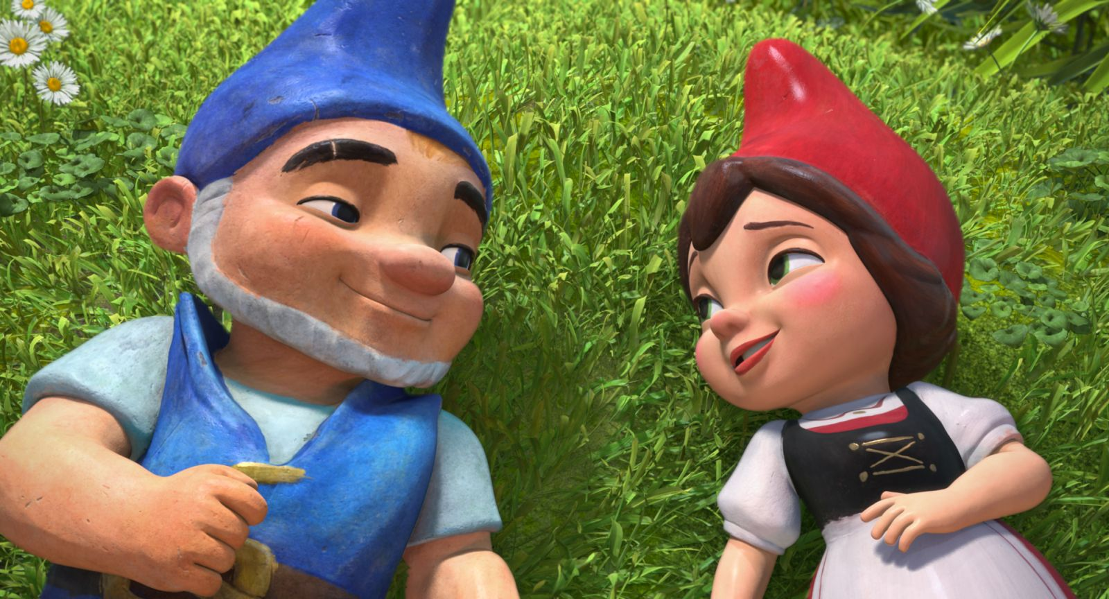 Gnomeo juliet sequel gets kung fu panda director and for Nain de jardin