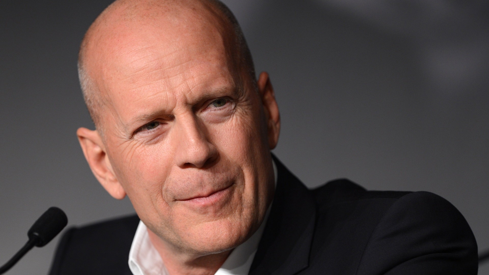 Bruce Willis to Help Mentor 'American Assassin' Bruce Willis