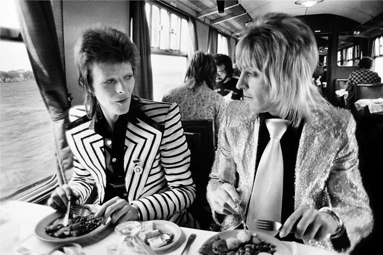 l'immense David Bowie est décédé après avoir publié son ultime chef-d'oeuvre, ★ (Blackstar)  Screen-Shot-2013-02-06-at-5.02.47-PM