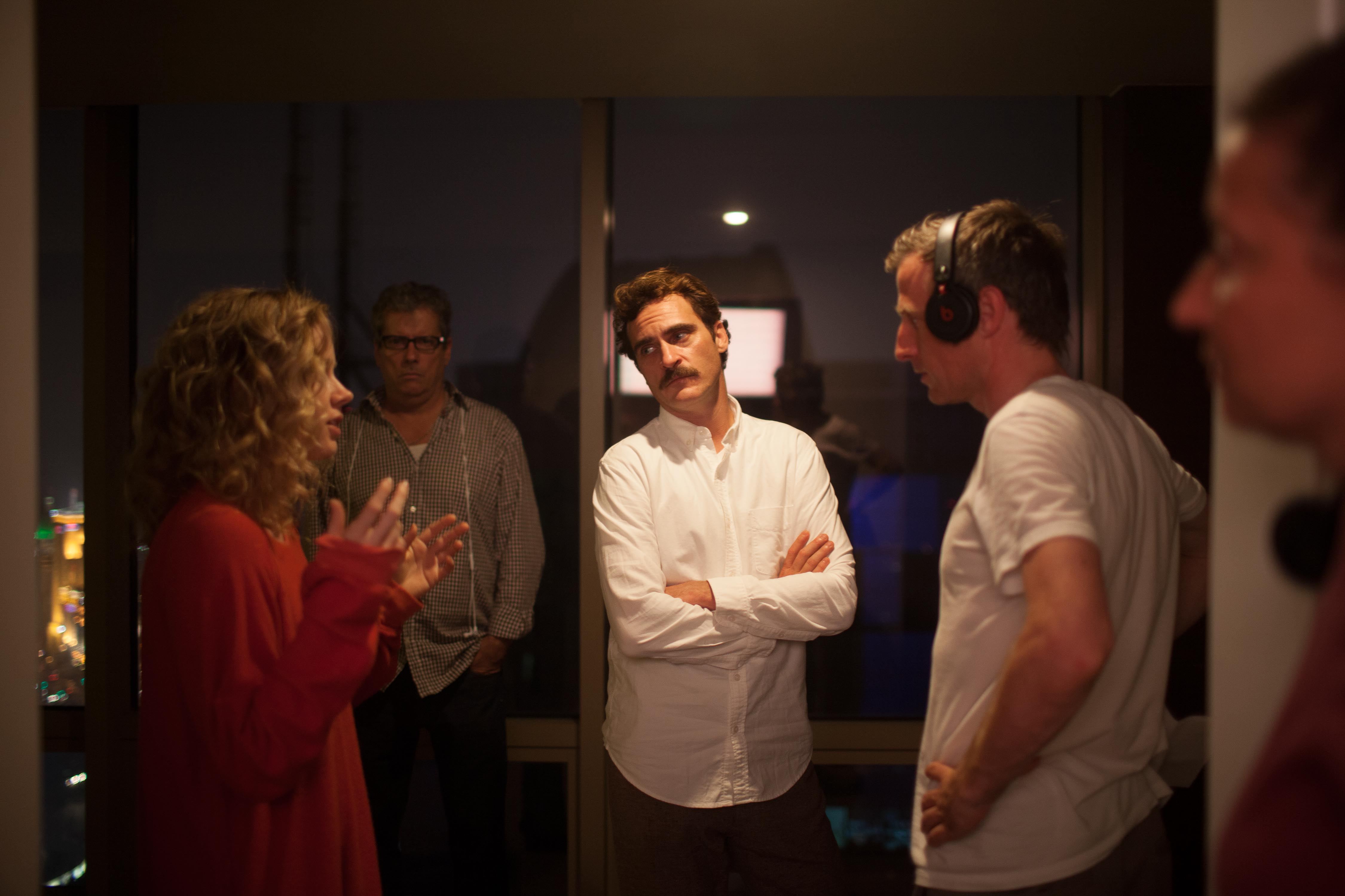 New Behind-the-Scenes Stills From Spike Jonze's 'Her' and ...