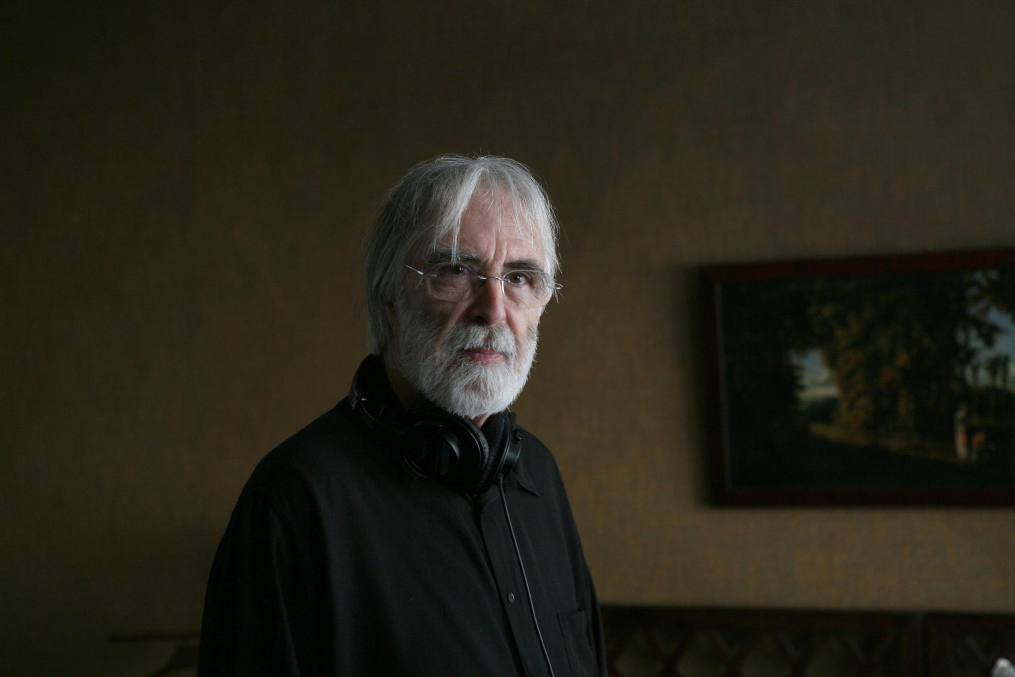 michael haneke as an auteur Michael haneke's hidden is a masterpiece of urban dread paul arthur places it within the context of the director's oeuvre and our own contemporary malaise paul arthur places it within the context of the director's oeuvre and our own contemporary malaise.