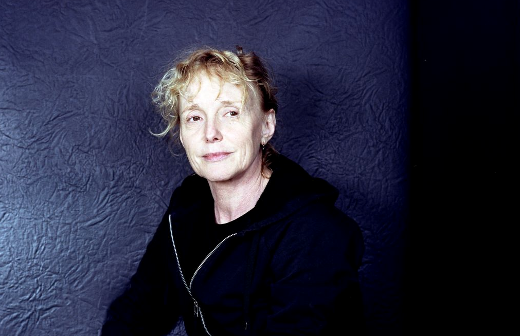 claire denis will head to space for englishlanguage debut