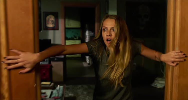 James wan scares up new trailers for lights out and the conjuring 2 ccuart Gallery