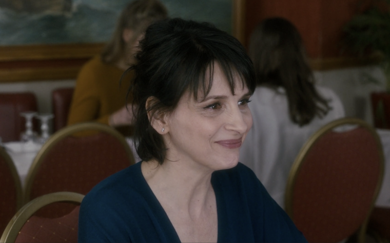 watch juliette binoche reflects on love in first clips from claire denis 39 39 let the sunshine in 39. Black Bedroom Furniture Sets. Home Design Ideas