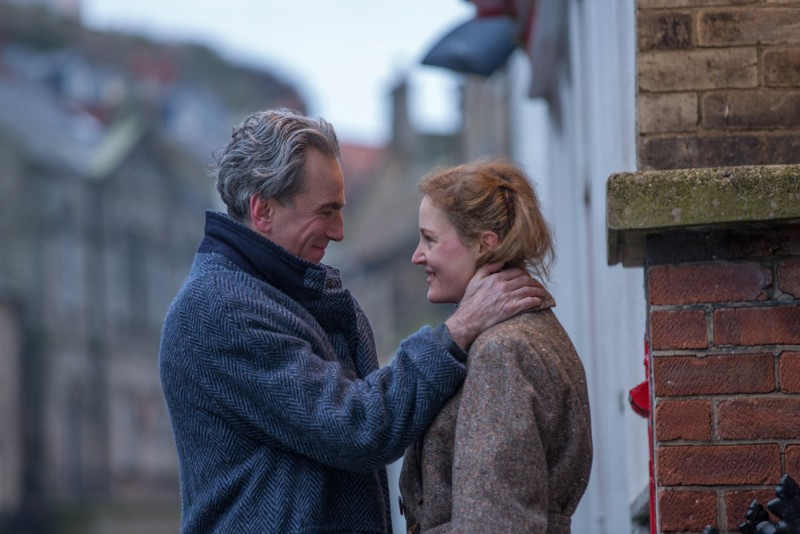 'Phantom Thread' Review: Paul Thomas Anderson Fashions a Continually Surprising Relationship Drama