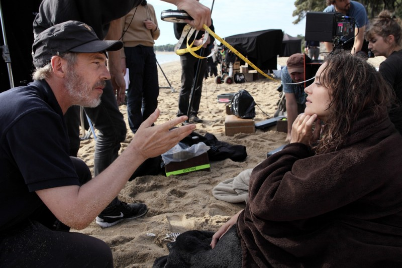 Arnaud Desplechin on Hitchcock and Bergman's Influence on 'Ismael's Ghosts,' Catholicism, and Vaping